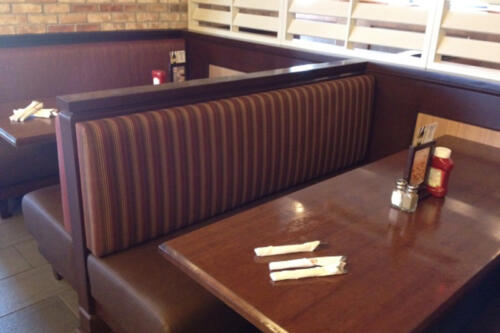 Swiss Chalet - Booth